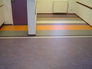 Marmoleum vloeren pvs meubelen